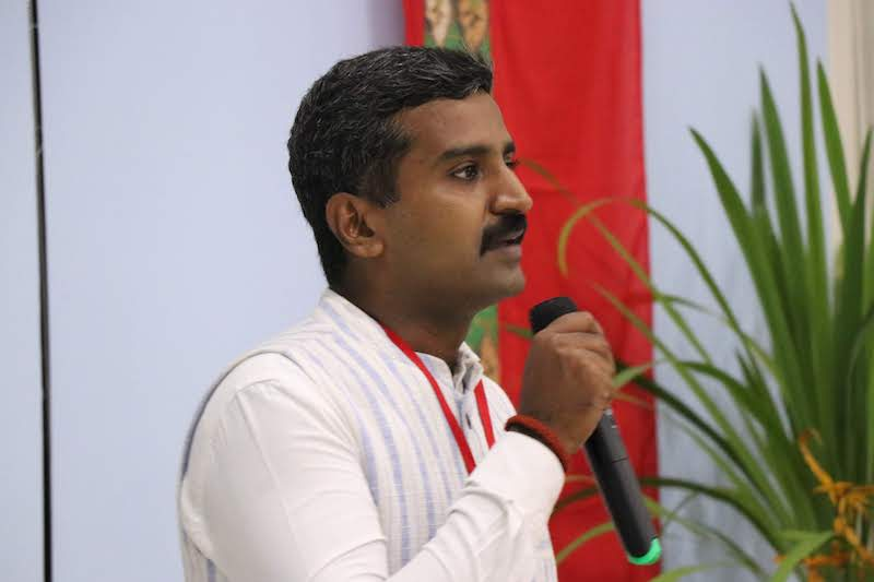 Padmakumar M M (PK) giving a testimonial during MPI's 2018 Annual Peacebuilding Training